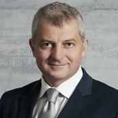 Dr. Andrej Vckovski