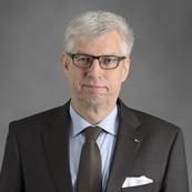 Dr. Olaf Holst