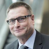 Dr. Oliver Grün
