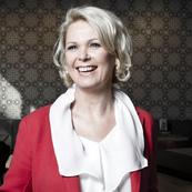 Evelyn Summhammer, Mag. Evelyn Summhammer