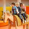 Kinder aufs Pferd